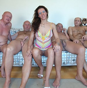 Free Teen CFNM Porn Pictures