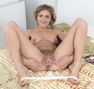 Free Teen Spread Pussy Porn Pictures