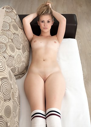Free Teen Shaved Pussy Porn Pictures